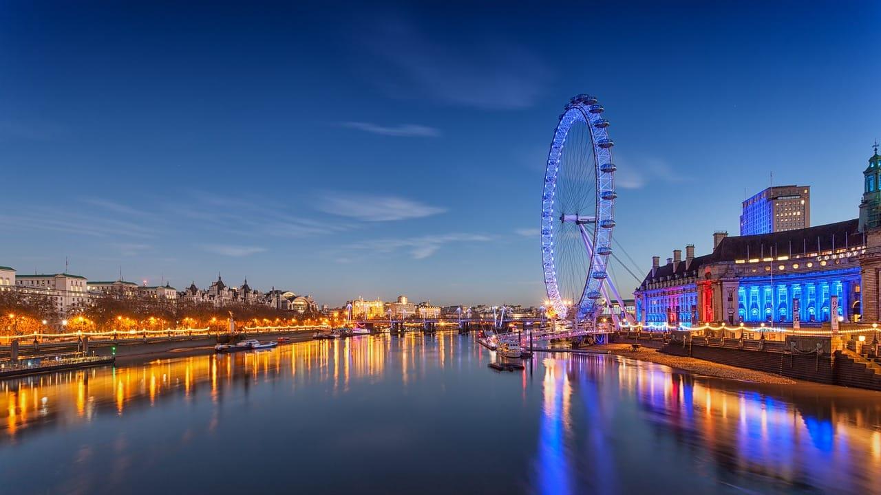 Londres en Agosto: Vuelos + 3 noches Hotel céntrico + desayuno por 180€ - Happy Low Cost