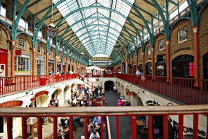 Covent-Garden-Londons-Main-Shopping-and-Entertainment-District