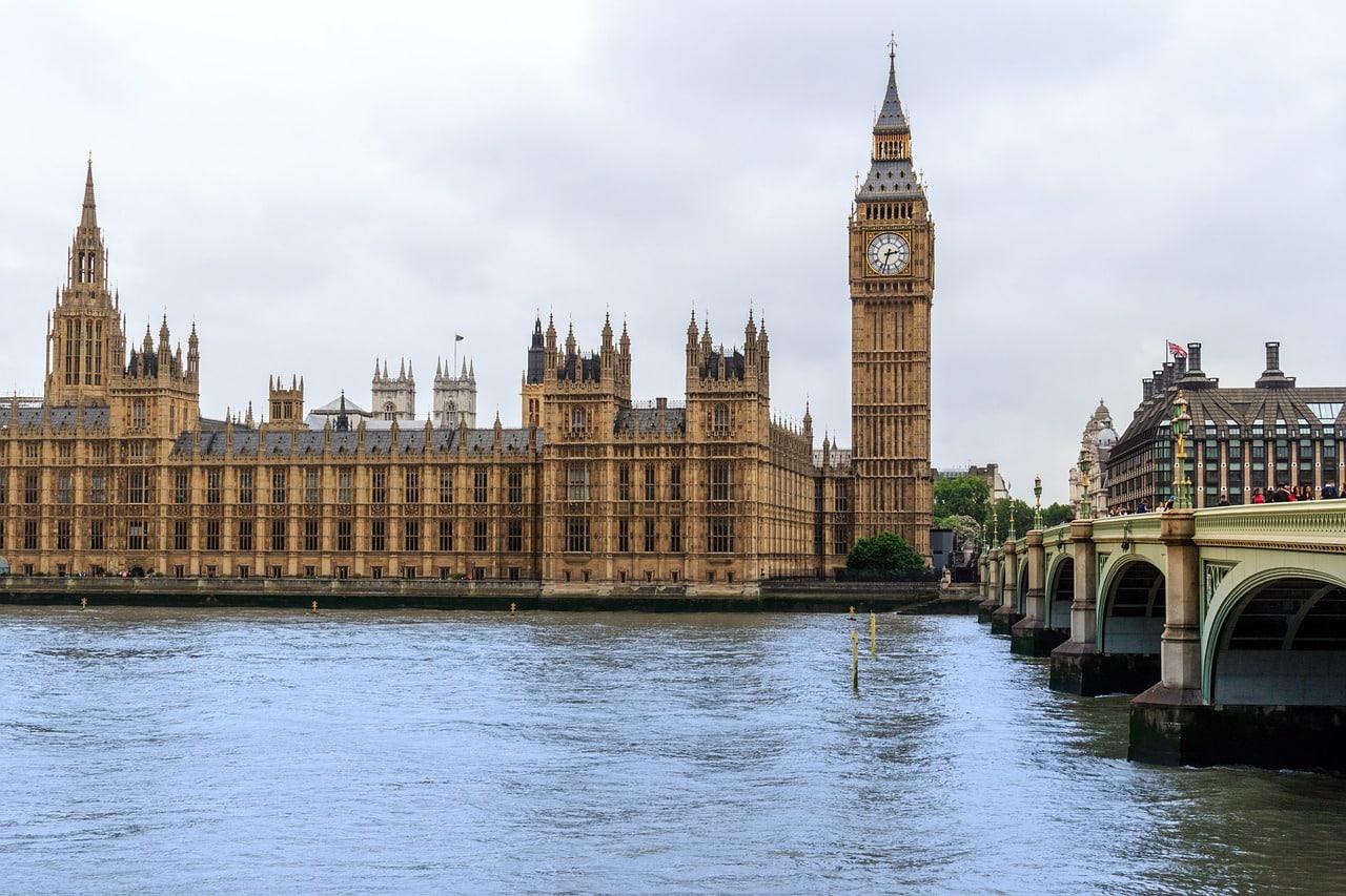 Al fondo el Big Ben, Londres-Inglaterra.