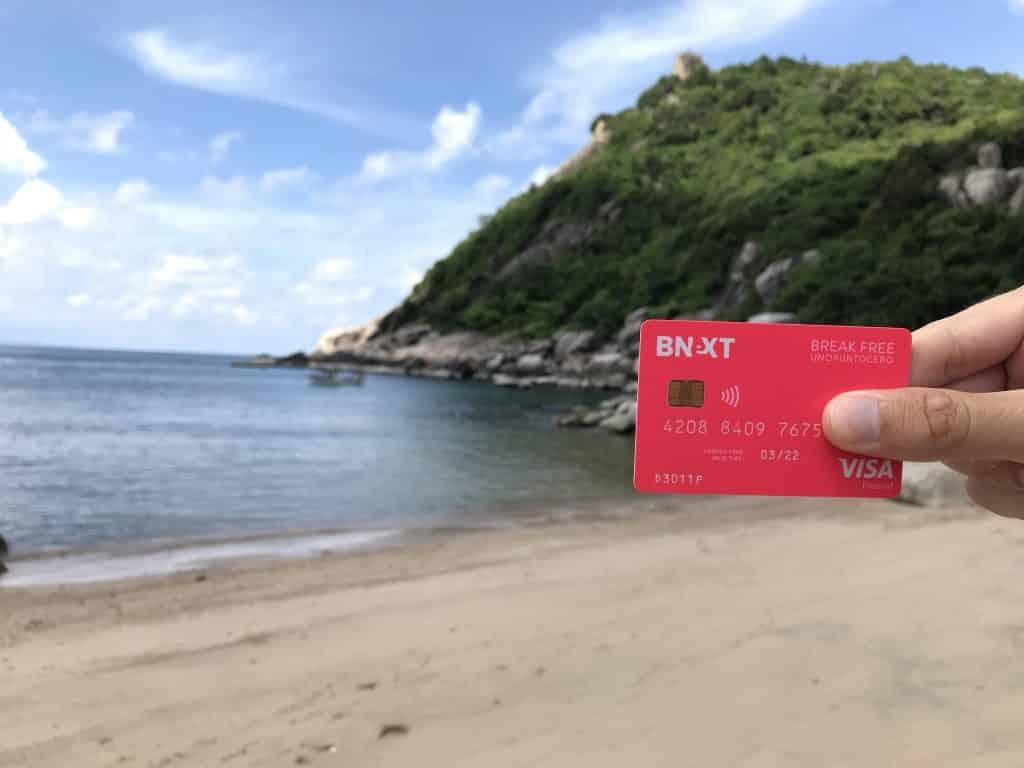 Aquí disfrutando en la playa de Tanote Bay, en Koh Tao (Tailandia), de unas merecidas vacaciones y con la tranquilidad de tener Bnext.