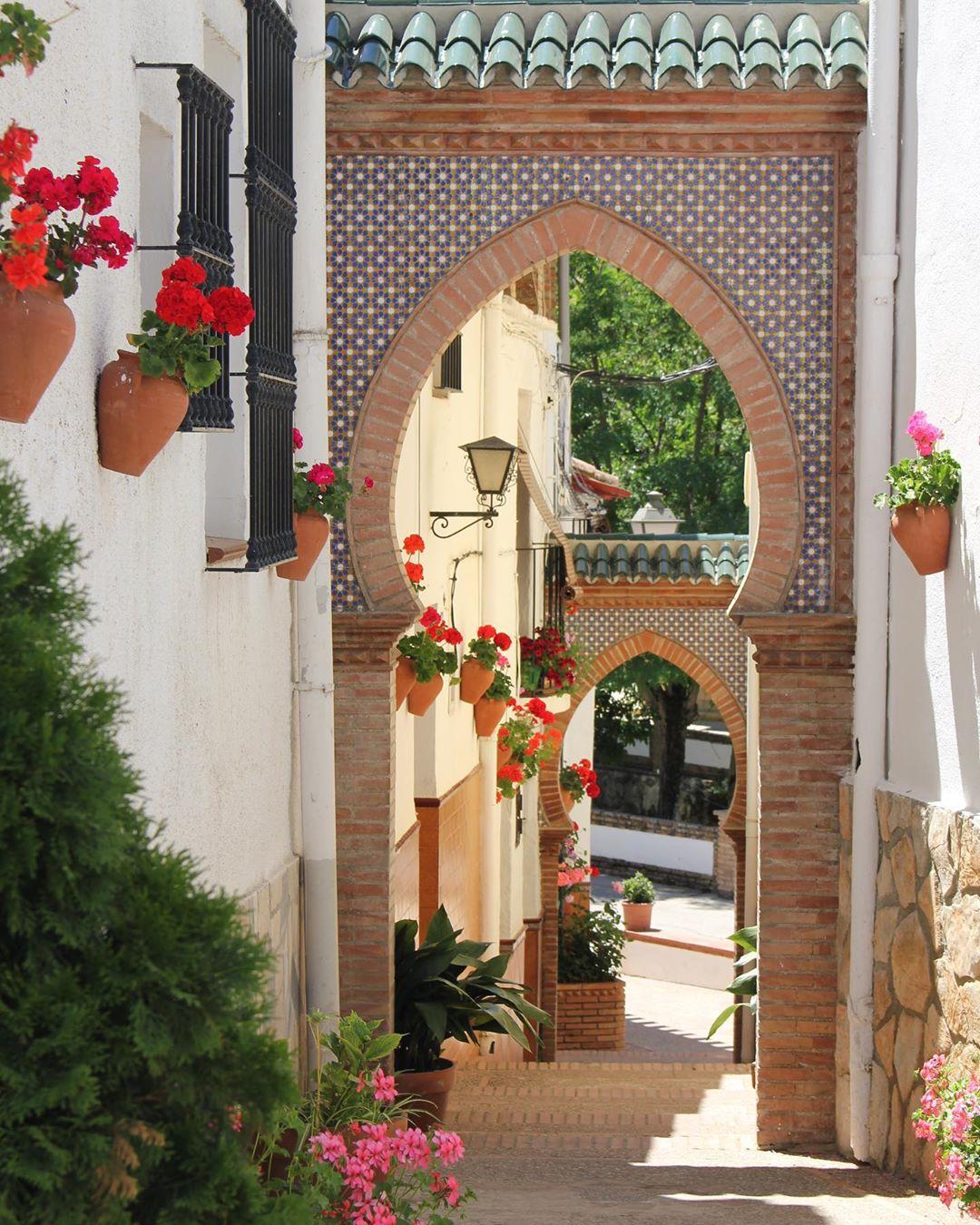 Calle de Alfarnate, pueblo de Málaga