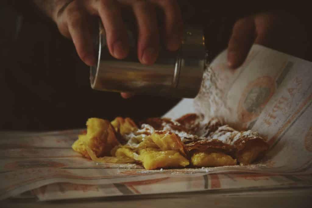 no sabes qué comer en grecia, el souvlaki es lo más popular